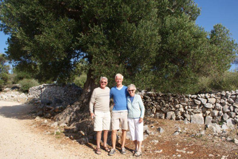 Dottie en Les 85 jaar - olijfboom 1600 jaar