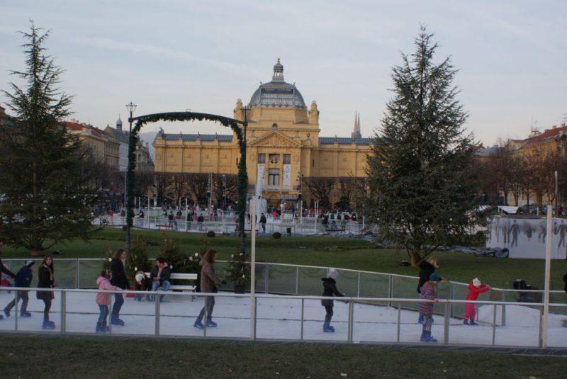 schaatsbaan op het Tomislav plein
