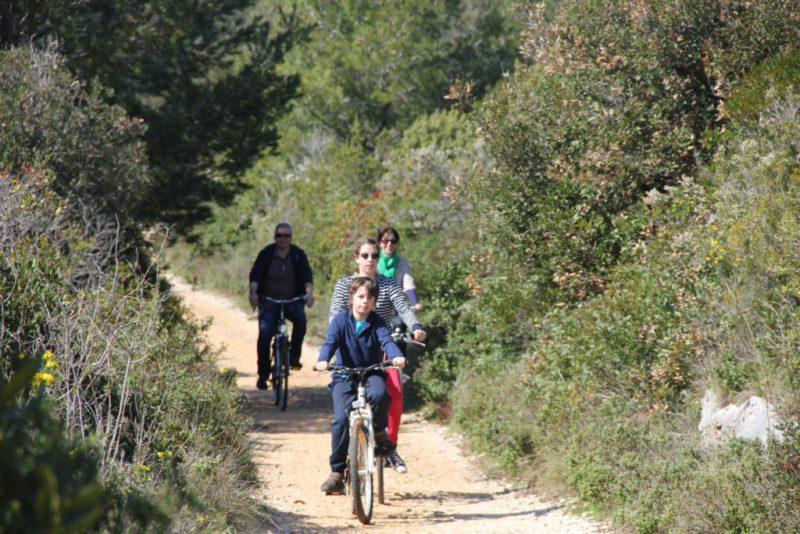 fietsen op het eiland Ugljan