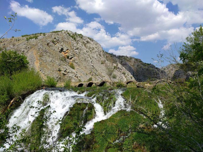 De Krupa rivier en de brug van Kude (Kudin most)