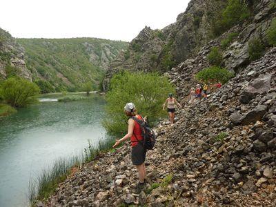 wandeling langs de Krupa rivier
