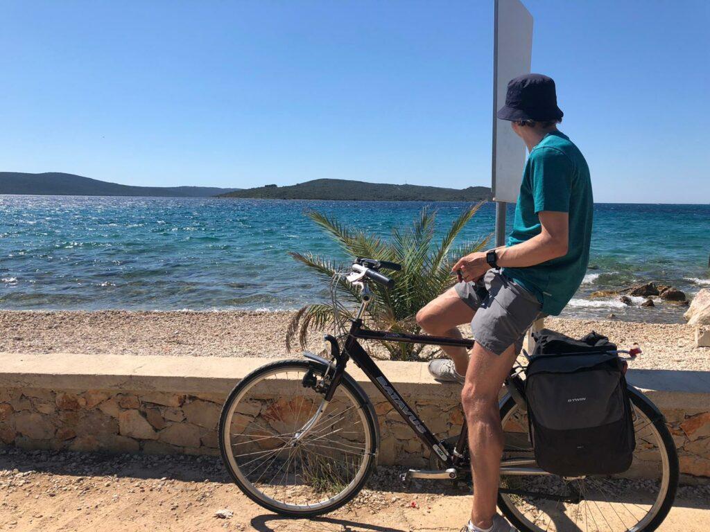 fietstocht op eiland Ugljan