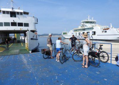Ferry naar eiland Ugljan