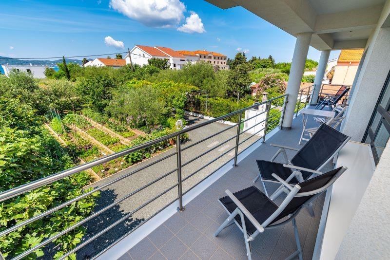 balkon met zicht op zee B&B Kuca Bajlo