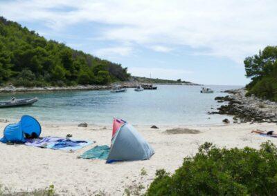 strand Dugo Otok