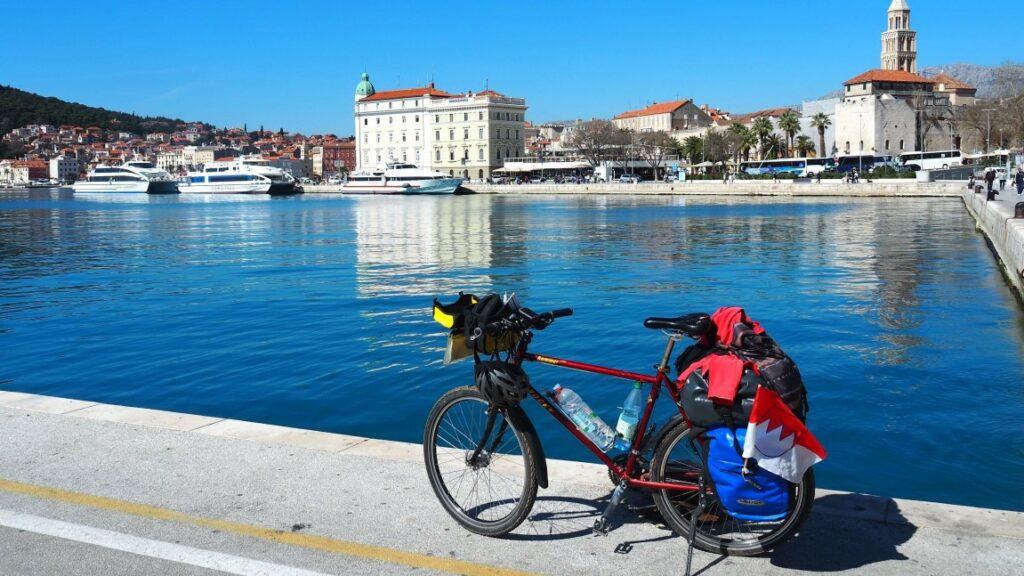 Eurovelo 8 fietsen langs de kust van Kroatië, Split