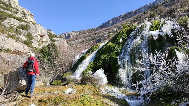 waterval met ijs Rijeka Bijela