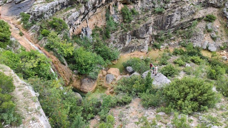 Uitzicht op de rivier Rijeka Bijela