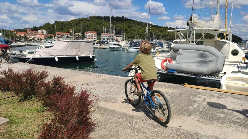 fietsen met kinderen op vakantie in kroatië