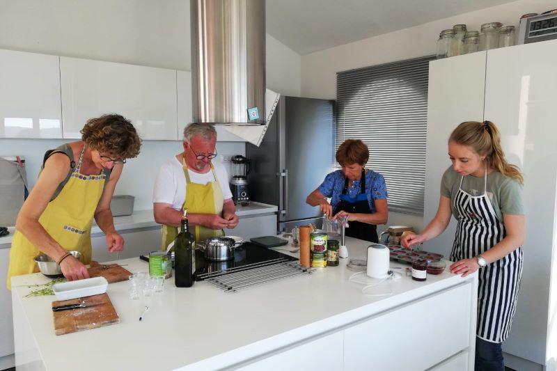 voorbereiding vegetarisch eten in Zadar